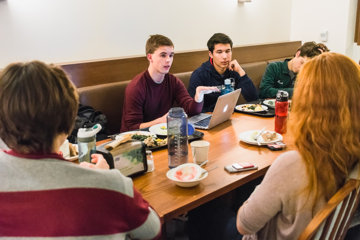 Green '21 meets to discuss sustainability projects across campus.